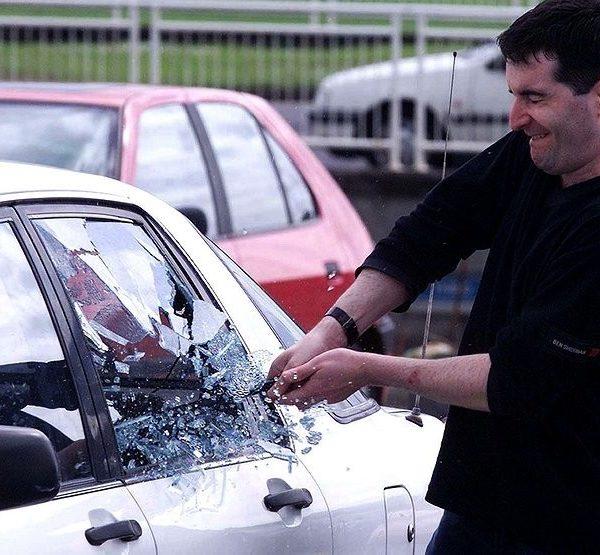 порча автомобиля в лобне